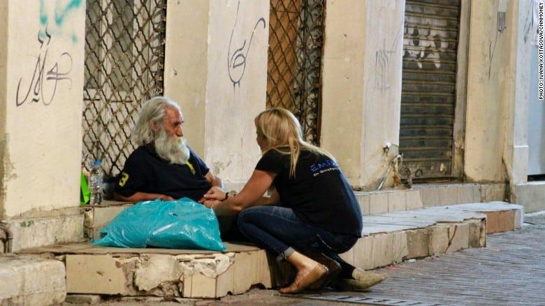 150710171001-greece-homeless-3-780x439 (2)